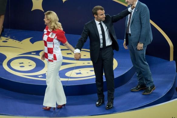Эммануэль Макрон и Колинда Грабар-Китарович. Фото: GLOBAL LOOK press/Christian Charisius/dpa