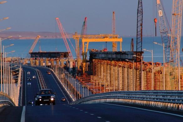 По мосту через Керченский пролив проехали уже более двух миллионов автомобилей. Фото: most.life