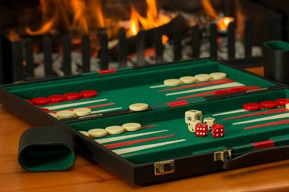 Бэкгэммон – такой вид приобрели нарды в разных странах мира – лучшие бесплатные игры. Фото: pixabay.com