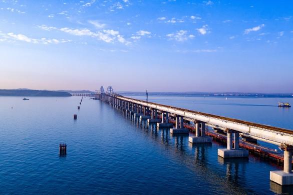 По Крымскому мосте проехали уже больше трех миллионов автомобилей. Фото: most.life
