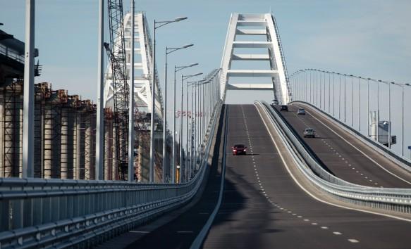 По Крымскому мосту проехали более трех миллионов автомобилей. Фото: GLOBAL LOOK press/Nikolay Gyngazov/