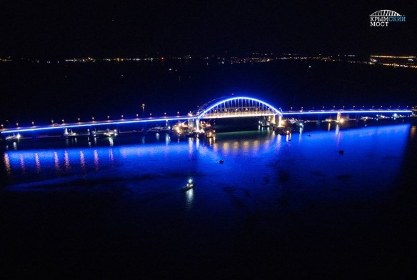 Автомобильная часть Крымского моста была открыта в мае этого года. Фото:most.life/multimedia