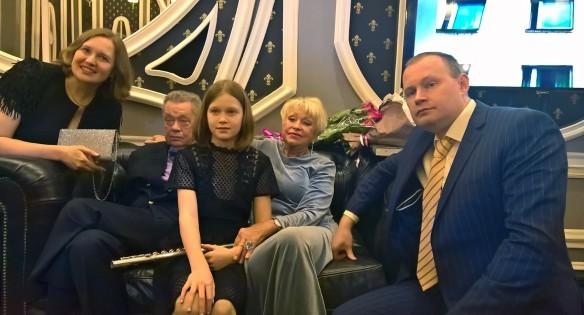 Караченцов с семьей. Фото: Dni.Ru/Феликс Грозданов