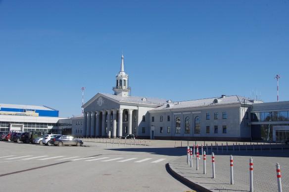 "Аэропорт ""Кольцово"". Фото: wikipedia.org"