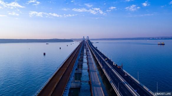 Окончание строительства железнодорожной части Крымского моста намечено на 2019 год. Фото: most.life