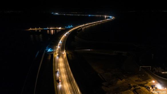 С момента открытия по крымскому мосту проехали миллионы автомобилей. Фото: most.life