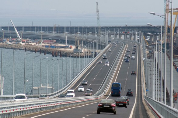 С момента открытия автомобильной части Крымского моста по ней проехали более трех миллионов автомобилей. Фото: most.life