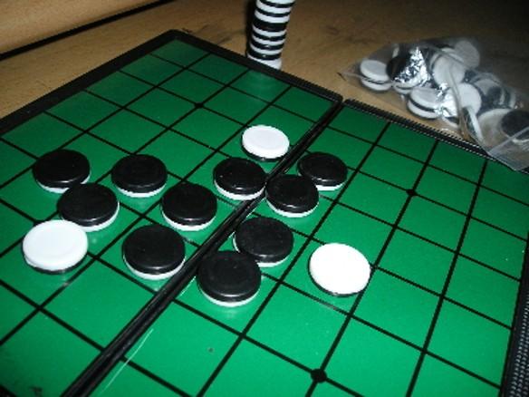 """Игра """"Реверси"""" была создана в конце 1880-х годов двумя британцами – Льюисом Э. Уотерманом и Джоном В. Моллетом. Фото: wikipedia.org"""