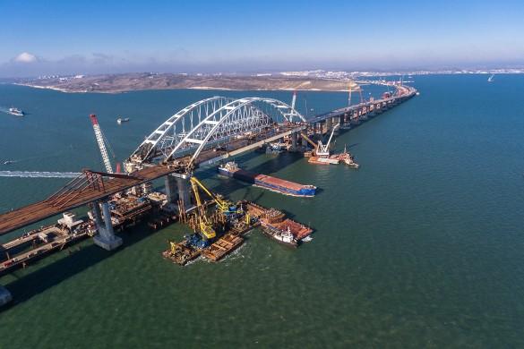 Строители продолжают возведение железнодорожной части Крымского моста. Фото: most.life