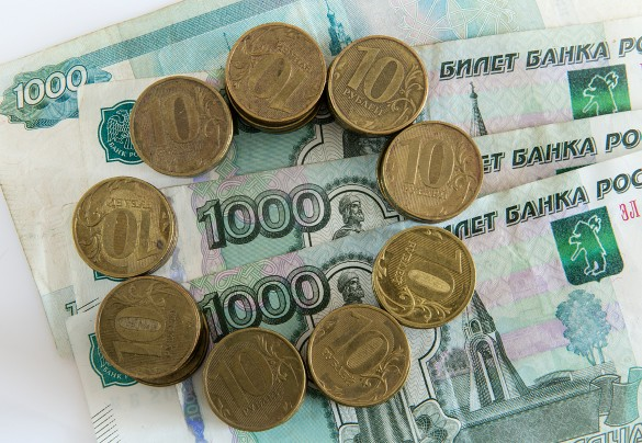 Курс рубля в феврале вряд ли превысит 70 рублей за доллар, полагают эксперты. Фото: www.globallookpress.com
