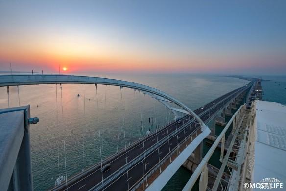 Украинцы грозились разбомбить Крымский мост. Фото: most.life