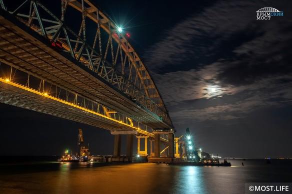 К счастью, в аварии на Крымском мосту обошлось без жертв. Фото: most.life