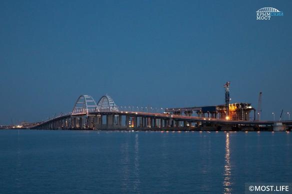 Продолжается строительство железной дороги по Крымскому мосту. Фото: most.life