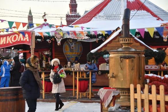 Сегодня россияне продолжают отмечать Масленицу с большим размахом. Фото: www.globallookpress.com