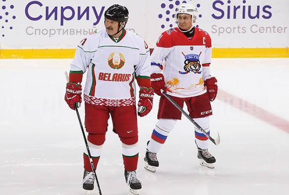 Лукашенко любит поиграть в хоккей с Путиным. Фото: president.gov.by