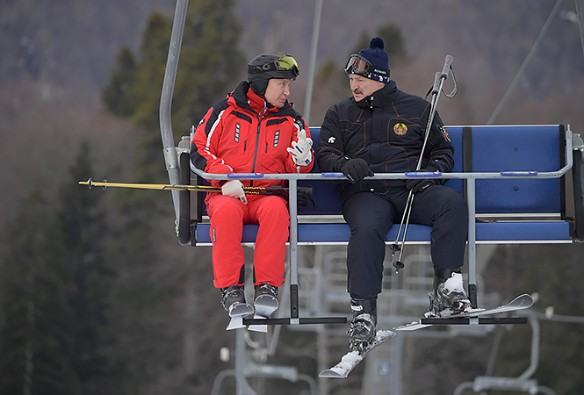 В Сочи Путин и Лукашенко часто катаются на лыжах. Фото: president.gov.by