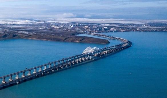 Украинцы неоднократно призывали бомбить Крымский мост. Фото: most.life