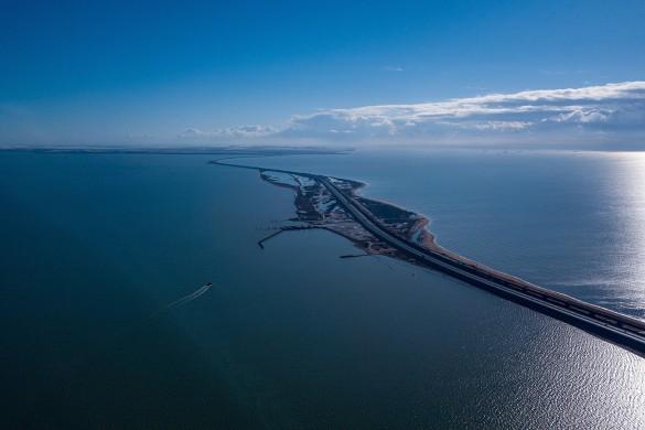 Цены в Крыму после открытия Крымского моста продолжают расти. Крымский мост открыт почти год назад. Фото: most.life