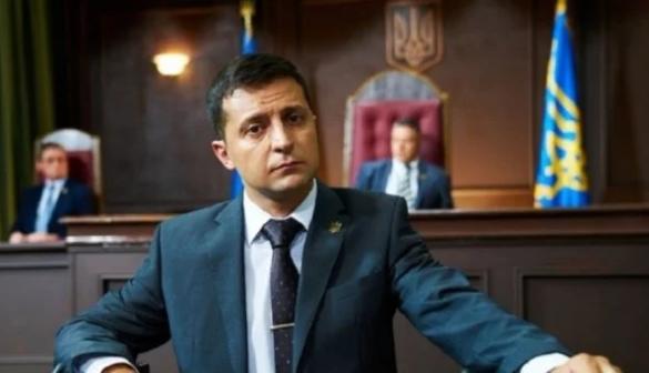 Владимир Зеленский опережает Петра Порошенко в предвыборной гонке. Кадр youtube.com
