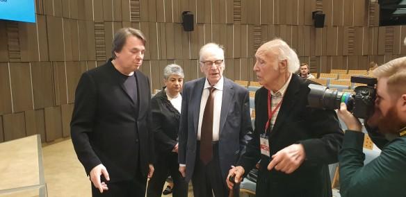 Константин Эрнст, Игорь Кириллов и Виктор Балашов. Фото: Дни.ру/Феликс Грозданов