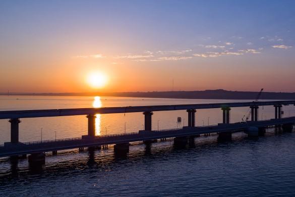 В США и на Украине призывали нанести удар по Крымскому мосту. Фото: most.life