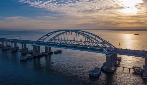 По Крымскому мосту проехали почти пять миллионов автомобилей. Фото: most.life