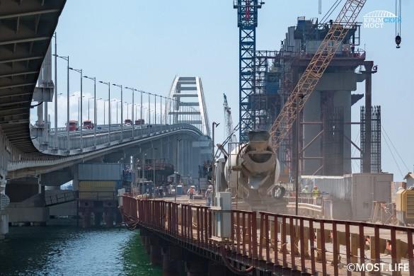 Украинцы закатили истерику из-за строительства Крымского моста. Фото: most.life