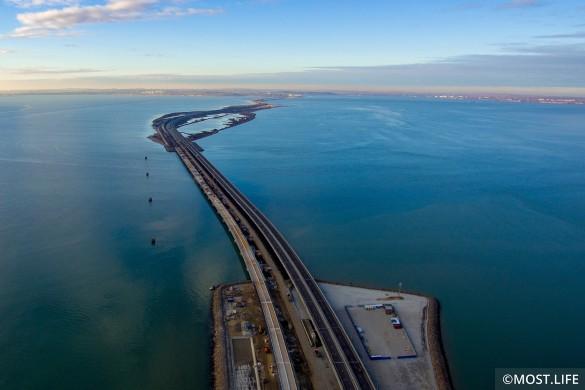 Украинцы утверждают, что Крымским мостом никто не пользуется. Фото: most.life