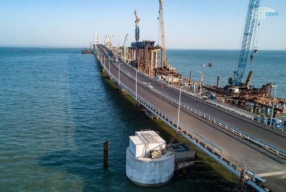 Скоро по Крымскому мосту поедут поезда. Фото: most.life/multimedia