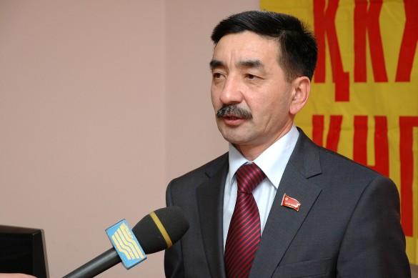 Жамбыл Ахметбеков. Фото: commons.wikimedia.org