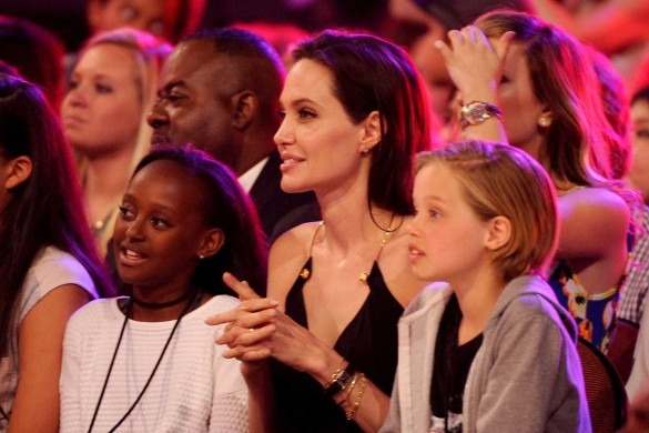 Анджелина Джоли с дочерью Шайло (справа). Фото: www.globallookpress.com