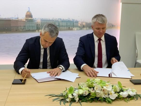Валентин Кондрашов и Павел Колобков. Фото: Пресс-служба