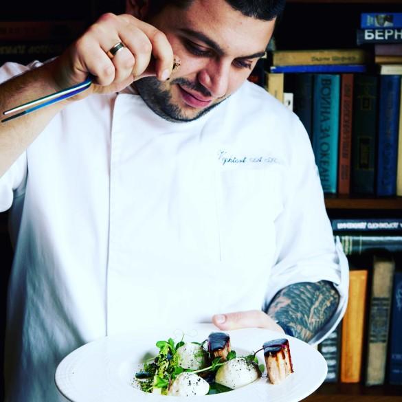 Айк Вейшторт в ресторане Uhvat. Фото: Пресс-служба