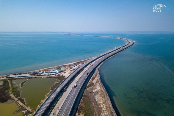 Первые поезда по Крымскому мосту проедут в конце года. Фото: most.life