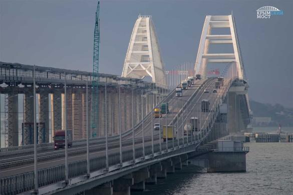 Железнодорожное движение по Крымскому мосту откроется в первой половине декабря. Фото: most.life