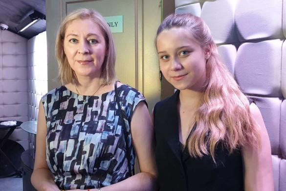 Елена Скорикова и Анастасия Годунова. Фото: Дни.ру/Феликс Грозданов