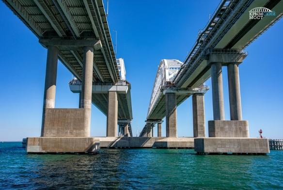 Сейчас Крымский мост не достроен полностью. Фото: most.life