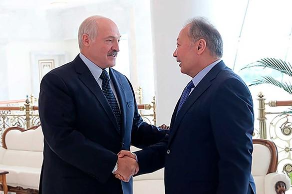 Александр Лукашенко и Курманбек Бакиев. Фото: president.gov.by