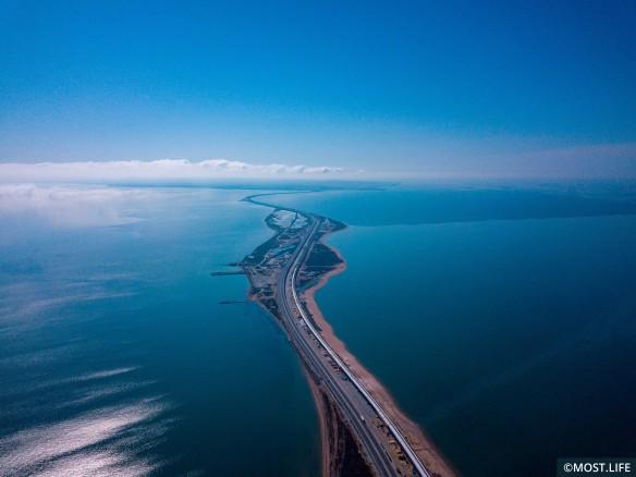 Крымский мост связал полуостров с Кубанью. Фото: most.life/multimedia