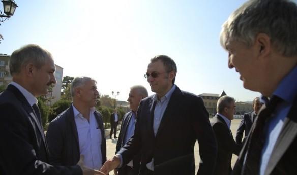 Сулейман Керимов (в центре) Фото: Пресс-служба