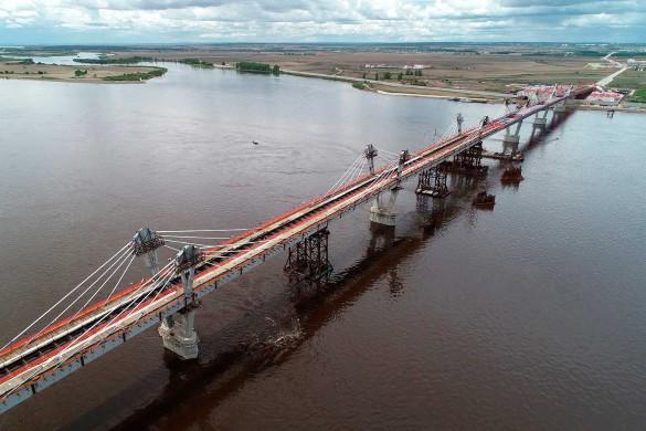 Предприниматель Руслан Байсаров рассказал о строительстве моста через Амур. Фото: Юрий Смитюк/ТАСС