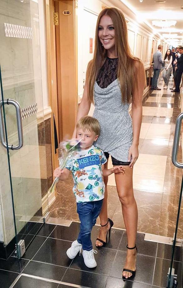 Наталья Подольская с сыном. Фото: Феликс Грозданов/Дни.ру