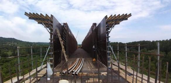 Идет строительство моста в Сербии под руководством Руслана Сулимовича Байсарова. Фото: Пресс-служба