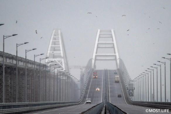 Завершаются приготовления к запуску железной дороги по Крымскому мосту. Фото: most.life/multimedia