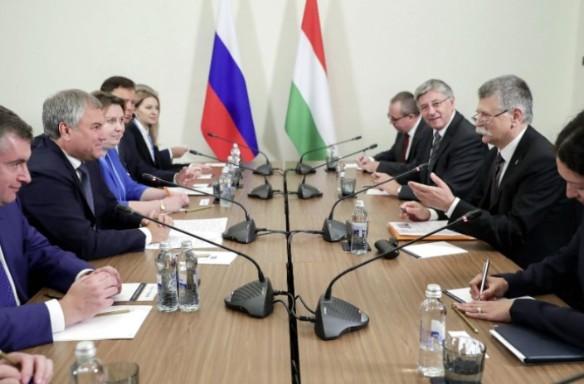 Вячеслав Володин и Ласло Кевер. Фото:duma.gov.ru