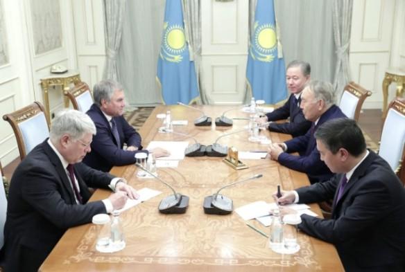 Вячеслав Володин и Нурсултан Назарбаев. Фото:duma.gov.ru
