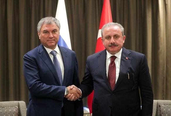 Вячеслав Володин и Мустафа Шентоп. Фото: duma.gov.ru