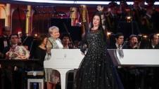 После этого он во всеуслышание объявил о награждении пианистки высшей наградой России – орденом Андрея Первозванного.