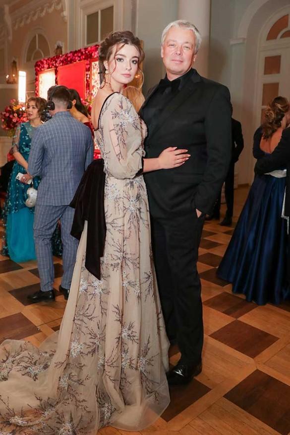 Александр Стриженов и его дочь Александра. Фото: Вячеслав Прокофьев/ТАСС