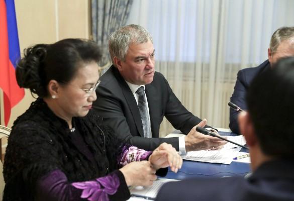 Вячеслав Володин и Нгуен Тхи Ким Нган. Фото: duma.gov.ru/